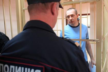 Полковник Захарченко пожаловался на вынужденные походы в рестораны
