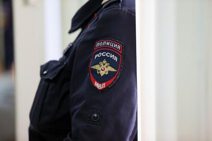 Российские школьницы избили одноклассницу за поддельные кроссовки Balenciaga