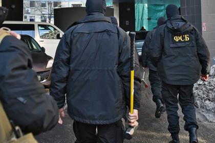 ФСБ устроила обыски в трех городах по делу о хищении средств гособоронзаказа