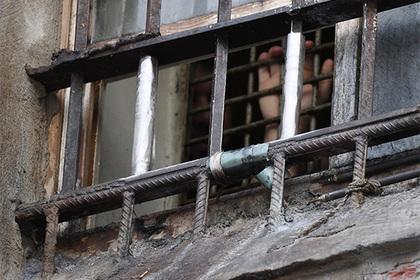 Российские заключенные вскрыли животы гвоздями в знак протеста