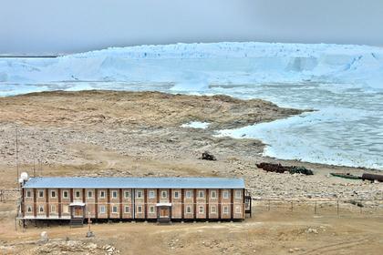 Таяние ледника повредило российскую станцию в Антарктиде