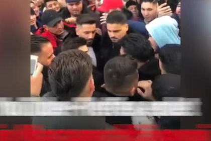 Ссора двух YouTube-блогеров привела к массовой драке на площади