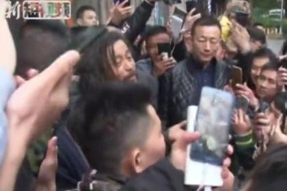 Бездомный китаец-интеллектуал процитировал Конфуция и стал звездой сети