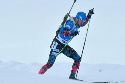 Логинов провалил спринт на Кубке мира по биатлону