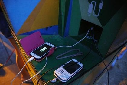В Татарстане бюджетникам запретили заряжать телефоны на рабочем месте