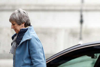 Премьер-министра Великобритании захотели свергнуть