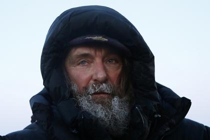Федор Конюхов попал в мощный шторм на весельной лодке