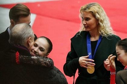 Тренер Медведевой поведал об отношении к Тутберидзе