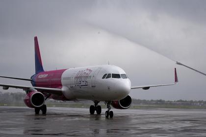 Авиакомпания отказалась пустить российских журналистов в самолет