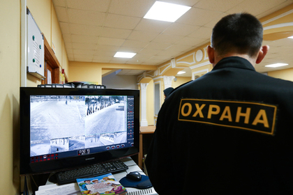 В России начнут по-новому охранять школы