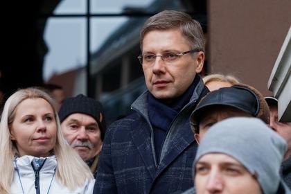 Русскоговорящего мэра Риги уволили