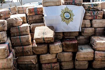 Пойманные с тоннами кокаина российские моряки пожаловались на африканскую тюрьму