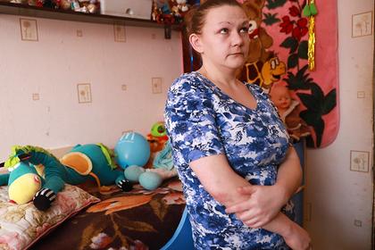 Лишенная детей за глухоту россиянка вернула родительские права через суд