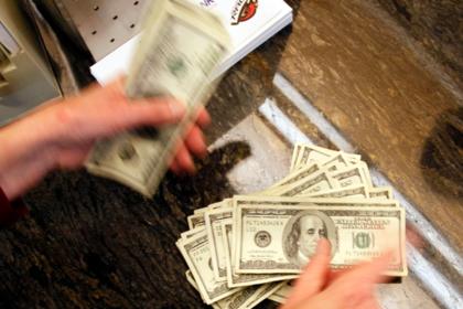 Саудовская Арвия отказалась обваливать доллар