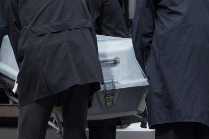 Поляки решили провезти мигранта в Британию в гробу и попались