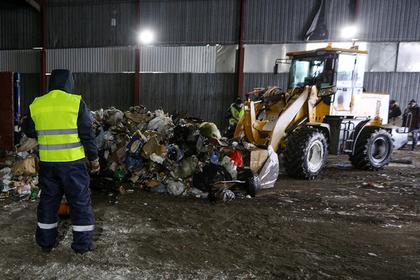 Путин поручил сдержать рост тарифов на вывоз бытовых отходов