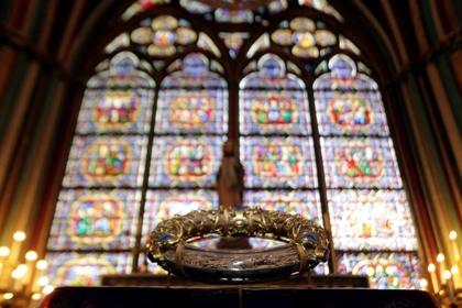 Часть реликвий из собора Парижской Богоматери спасли