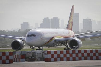Пассажирка кинула мелочь в двигатель самолета на удачу и оказалась в полиции