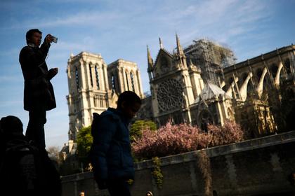 Франция запустит международный конкурс по восстановлению шпиля Нотр-Дама