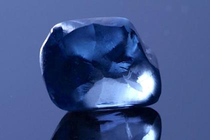 Найден алмаз самого необычного цвета