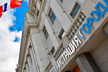 Чиновники оплатили налог на цветы за родившую в первые минуты года россиянку