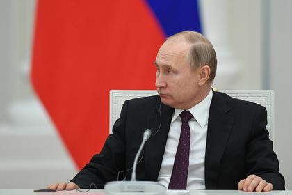 Путин поручил усилить меры по борьбе с пожарами в Забайкалье