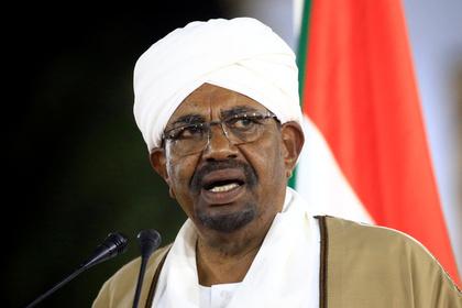 В доме свергнутого президента Судана нашли более 100 миллионов долларов