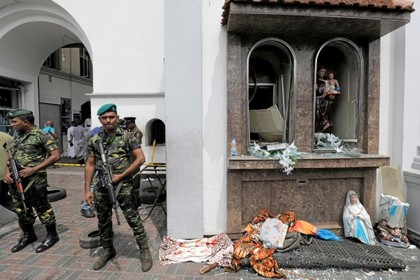 Число погибших от взрывов в Шри-Ланке увеличилось