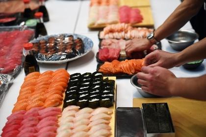 Россиянка поела суши и впала в кому