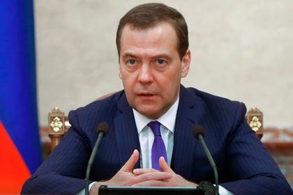 Медведев призвал снижать тарифы на утилизацию мусора