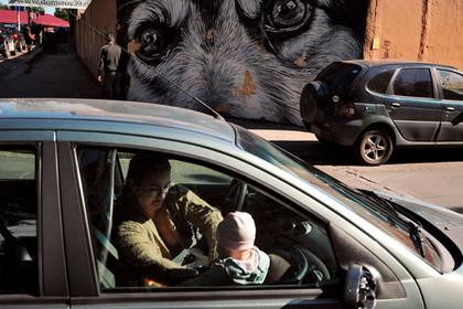 В России предложили обязать водителей с детьми ездить медленнее