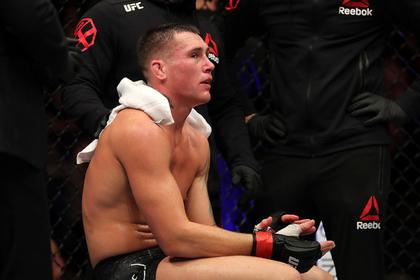 Британского бойца UFC наказали за погром в отеле