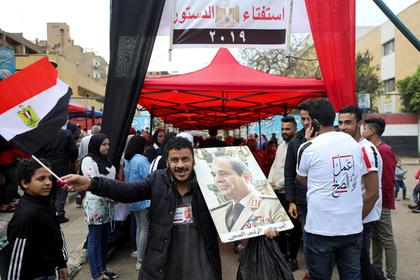 Египтяне разрешили своему президенту править еще 11 лет