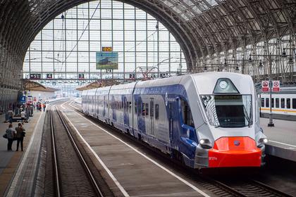 Депутаты поддержали инициативу Беглова о льготном проезде в электричках