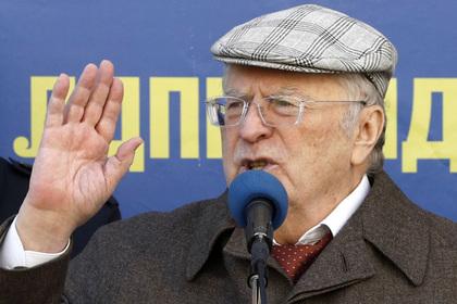 Жириновский дал урок истории у посольства Латвии photo