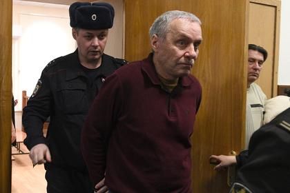 Осужден отец полковника Захарченко photo