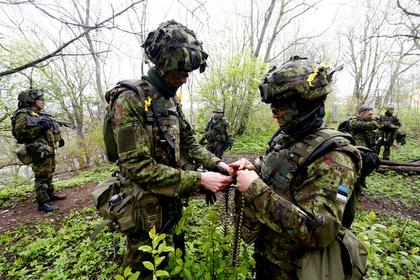 Россию заподозрили в подготовке вооруженного конфликта с Эстонией