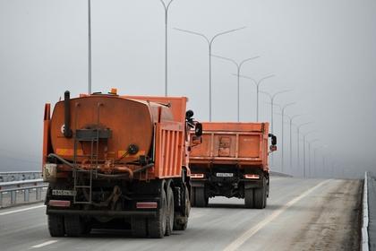 В России временно ограничат движение грузовиков по трассам