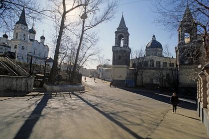 Изгонявший бесов мужчина избил пенсионерку в московском храме