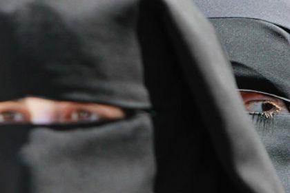 Врач попросил мусульманку снять никаб и был вынужден уволиться