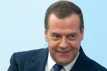 Медведев взялся за омоложение науки