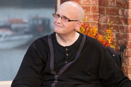 Резко похудевший «самый толстый человек в мире» переехал в США и снова потолстел