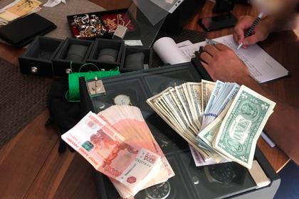При обыске у ростовского замгубернатора нашли часы на 7,5 миллиона рублей
