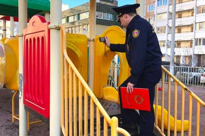 Детские площадки в Подмосковье проверили на безопасность