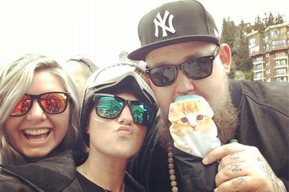 В сети высмеяли стремящихся к богатой жизни пользователей Instagram