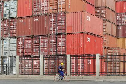 Миру предрекли затяжную торговую войну