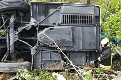 Отправившего автобус с россиянами под откос итальянца отпустили