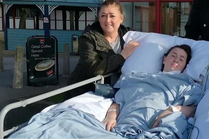 Женщина спутала опасную болезнь с простудой и осталась парализована