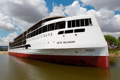 Первый российский круизный лайнер спустили на воду