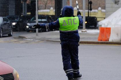 На российского полицейского напали с дробовиком неподалеку от ночного клуба